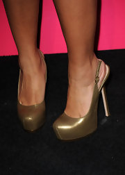 Disney star Brenda Song donned a killer pair of platform slingbacks while hitting the carpet for the Hot Hollywood party.