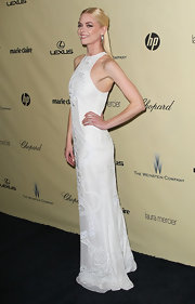 Jaime looked angelic with an edge in this white brocade gown at the Golden Globes after-party.