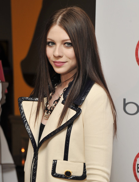 Michelle Trachtenberg attended a screening of 'Bully' wearing a black resin and sterling silver hard gloss link chain necklace.
