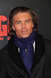 A vibrantly colored scarf upgraded Anson Mount's outfit from so-so to super stylish as he attended a screening of 'Django Unchained.'