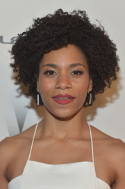 Kelly McCreary left her curls au naturel for the Weinstein Company and Netflix Golden Globes party.