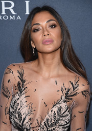 Nicole Scherzinger opted for a simple yet stylish center-parted 'do when she attended the Weinstein Company pre-Oscar dinner.