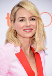 Naomi Watts styled her shoulder-length locks with just a hint of wave for the TIFF screening of 'About Ray.'