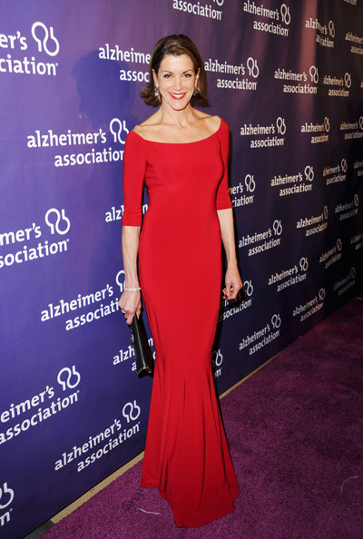 Wendie Malick Evening Dress [red carpet,dress,clothing,shoulder,red carpet,carpet,gown,fashion model,premiere,fashion,hairstyle,wendie malick,awards,beverly hilton hotel,california,beverly hills,alzheimers association,a night at sardis,fundraiser,dinner]