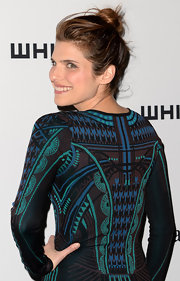 Lake Bell kept her red carpet look cool and modern-looking with a loose, messy top knot.
