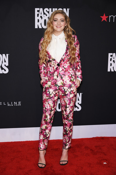 Willow Shields Clothes