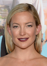 Kate Hudson looked bold with her dark red lipstick.