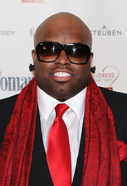 Rapper Ce-Lo Green paired his dapper suit with modern rectangle shades.