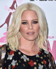 Elizabeth Banks worked a wavy platinum-blonde 'do at the 2017 Crystal + Lucy Awards.
