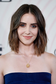 Alison Brie sported a shoulder-length layered cut at the 2018 Crystal + Lucy Awards.