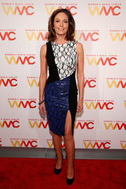Diane Lane showed off her svelte physique in an ultra-modern paneled print dress by Elizabeth and James at the Women's Media Awards.