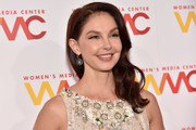Ashley Judd wore her wavy tresses swept to the side when she attended the 2017 Women's Media Awards.