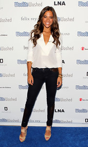 Jana Kramer looked chic at the WooliteWashed Boutique Launch Party wearing a three quarter sleeve deep V-neck white fitted blouse.