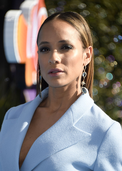 Dania Ramirez attended the world premiere of 'Finding Dory' wearing this unstyled 'do.