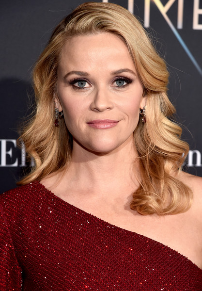 Reese Witherspoon's Old Hollywood Waves