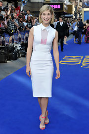Rosamund Pike had fun with her look when she sported this lace-paneled, point-collared dress.