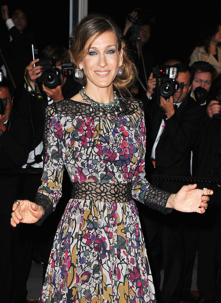 More Pics of Sarah Jessica Parker Diamond Ring (1 of 116) - Sarah Jessica Parker Lookbook - StyleBistro