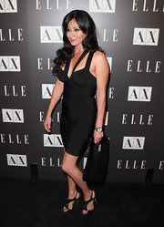 Shannon Doherty showed off her her all black ensemble while hitting the Armani Exchange.