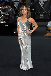 Zoe was a velvet beauty in a silver slinky evening dress for 'X-Men' premiere.