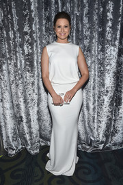 Katie Lowes was minimalist-chic in a sleeveless gown with an open back during the Yahoo News White House Correspondents' Dinner pre-party.