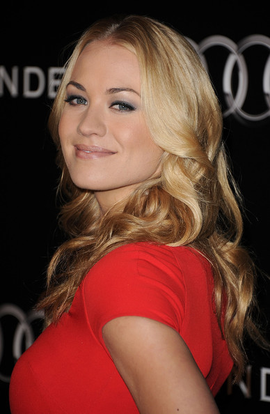 Yvonne Strahovski Long Curls