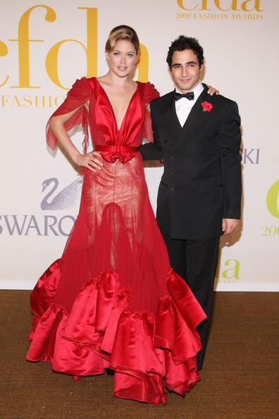 Zac Posen Bowtie [red,formal wear,clothing,dress,carpet,event,gown,red carpet,flooring,fashion,arrivals,doutzen kroes,zac posen,alice tully hall,new york city,lincoln center,cfda fashion awards]