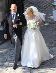 Zara Phillips' simple yet magical wedding dress featured tulle cap sleeves and a full skirt.