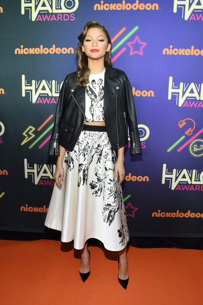 Zendaya Coleman Full Skirt [clothing,carpet,fashion,flooring,red carpet,fashion design,premiere,event,performance,fashion show,arrivals,zendaya,nickelodeon halo awards,sixth annual nickelodeon halo awards,concert special,networks,new york city,nickelodeon,nicktoons,teennick]
