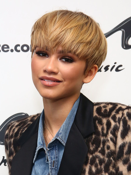 Zendaya Coleman Emo Bangs [spider-man,hair,face,hairstyle,blond,bangs,chin,forehead,brown hair,human,layered hair,blond,singer zendaya,hair,bowl cut,hairstyle,face,brown hair,hair,music choice,zendaya,spider-man: far from home,bowl cut,music choice,emo,blond,spider-man: homecoming]