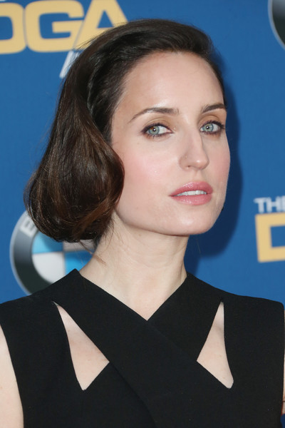 Zoe Lister Jones Bobby Pinned Updo