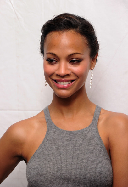 Zoe Saldana Makes Appearance Wet And Hot Pics