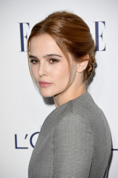 Zoey Deutch Diamond Studs [hair,face,hairstyle,eyebrow,shoulder,lip,beauty,chin,fashion,long hair,arrivals,zoey deutch,los angeles,four seasons hotel,california,beverly hills,annual elle women in hollywood awards]