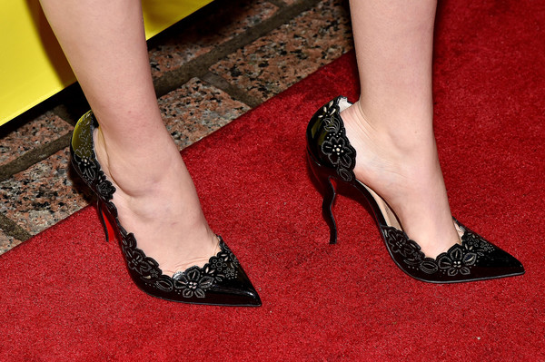 Zoey Deutch Evening Pumps [everybody wants some,footwear,high heels,leg,human leg,foot,shoe,carpet,ankle,court shoe,toe,zoey deutch,screening,shoe detail,paramount theatre,austin,texas,film interactive festival,sxsw music]