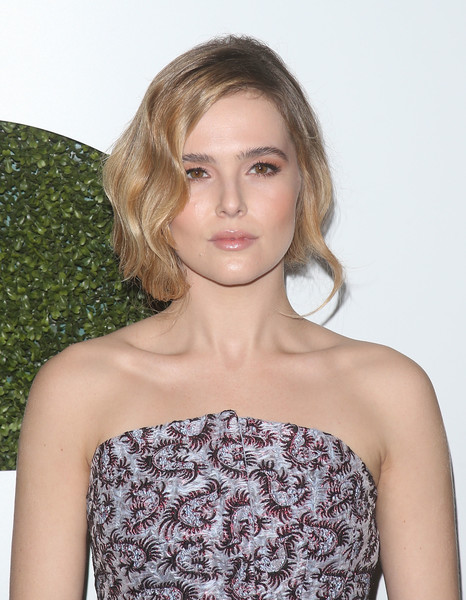 Zoey Deutch Lipgloss [hair,clothing,shoulder,hairstyle,blond,dress,beauty,lip,fashion,long hair,arrivals,zoey deutch,gq men of the year party,california,los angeles,chateau marmont,gq men of the year party]