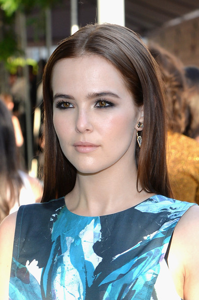 Zoey Deutch Smoky Eyes [hair,beauty,eyebrow,human hair color,hairstyle,fashion model,girl,lady,eye,fashion,arrivals,zoey deutch,fashion awards,cfda fashion awards,alice tully hall,new york city,lincoln center,cfda]