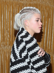Sofia Richie amped up the edge factor with black mani.