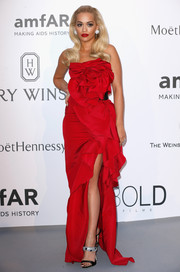 Bedazzled sandals by Giuseppe Zanotti added an extra dose of glamour to Rita Ora's look.