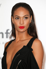 Joan Smalls wore a slicked-back straight cut at the amfAR Cinema Against AIDS Gala.