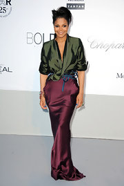 Score one for Janet Jackson! We've been dying to see Haider Ackermann worn right, as well as hoping for a killer look from Janet—we got both. Not only does Janet looks fantastic, but she's really rocking this dress.
