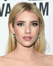 Emma Roberts didn't need much more than this simple center-parted 'do to look fabulous at the amfAR Inspiration Gala.