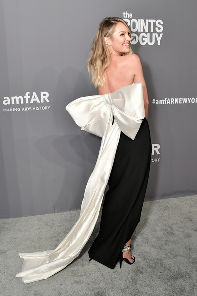 More Pics of Candice Swanepoel Strapless Dress (1 of 4) - Dresses & Skirts Lookbook - StyleBistro [clothing,shoulder,dress,fashion model,gown,strapless dress,joint,fashion,leg,waist,arrivals,candice swanepoel,new york city,cipriani wall street,amfar new york]