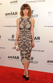 Rose Byrne topped off her Alexander McQueen frock with black satin platform pumps.