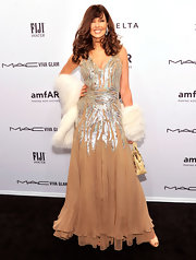 Carol Alt worked her magic on the red carpet in this nude dress with silver sequins.