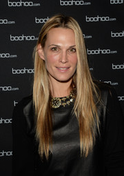 Molly Sims went to the boohoo.com event wearing her hair in sleek straight layers.