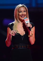 Kate Hudson accentuated her tiny waist with a broad black belt for the 2013 iHeartRadio Music Festival.