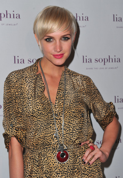More Pics of Ashlee Simpson Leather Wristlet (5 of 5) - Ashlee Simpson Lookbook - StyleBistro