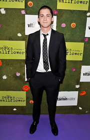 With his elegant black suit and polka-dot tie, Logan Lerman looked debonair at the 2012 Toronto International Film Festival.