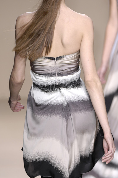 Amanda Wakeley Fall 2007 - Details