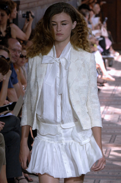 Anne Valérie Hash at Couture Fall 2006
