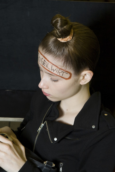 Bernhard Willhelm Spring 2009 - Backstage